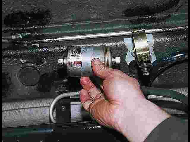 Меняем своими руками топливный фильтр на 21099 инжектор 85